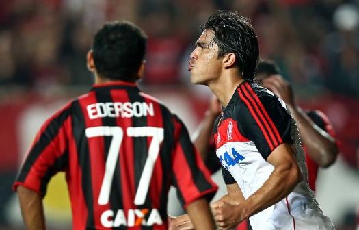 Marcelo Moreno - Primeiro  gol da Era Adidas.